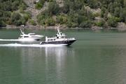 Skyssbåtar på Årdalsvat...