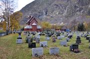 Kyrkjegarden på Årdalsta...